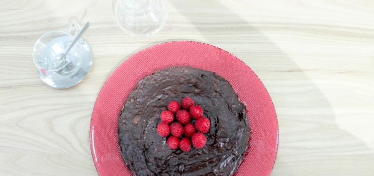 Tarta de chocolate y aguacate